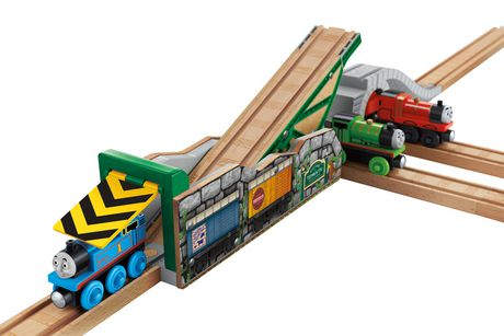 Fisher-Price Thomas & Friends Wooden Railway Tidmouth's Tipping Shed - image 4 of 8