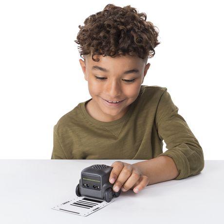 Boxer – Robot I.A. interactif (noir) avec une personnalité et des émotions, à partir de 6 ans - image 6 de 8