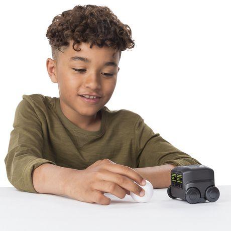 Boxer – Robot I.A. interactif (noir) avec une personnalité et des émotions, à partir de 6 ans - image 4 de 8