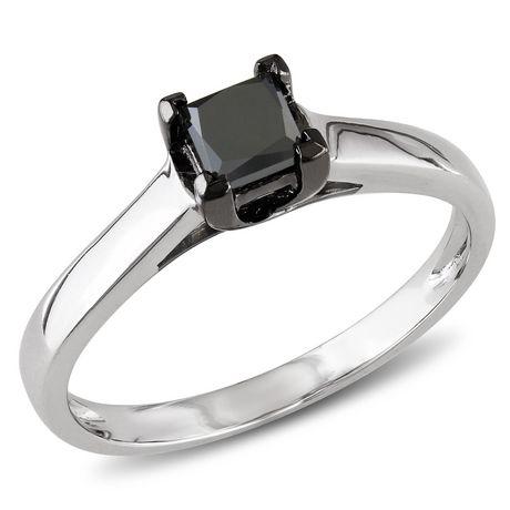 8d44767a4fb Bague de fiançailles de style solitaire avec diamant noir de coupe  princesse 0