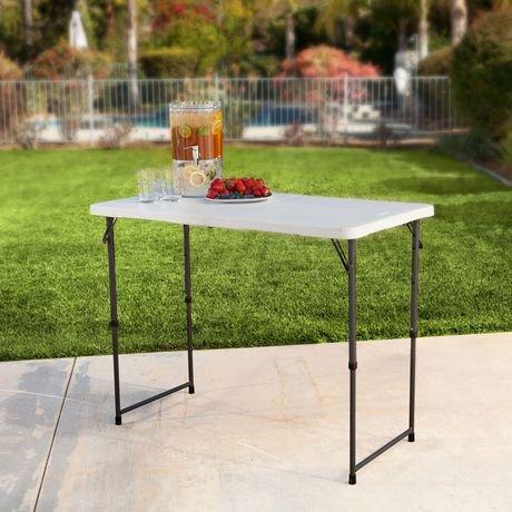 Table pliante en deux l g re commerciale hauteur for Table pliante walmart