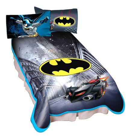 """Warner Bros. Batman """"City Safe"""" Blanket - image 1 of 1"""