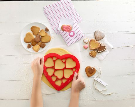 Lekue Hearts Cookie Puzzle Cutter - image 3 of 6