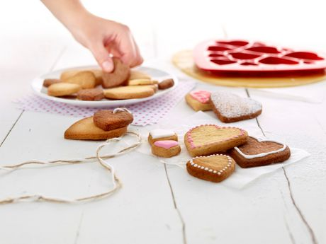 Lekue Hearts Cookie Puzzle Cutter - image 4 of 6