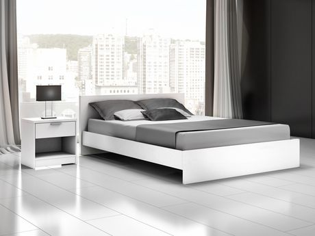 Stellar Home Furniture Euro Collection Queen Size White Platform Bed Headboard