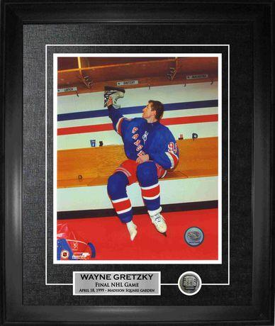 Frameworth Sports Photo encadrée accroche ses patins Rangers encadrée Wayne Gretzky, 8 x 10 - image 1 de 1