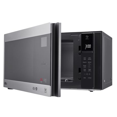 Lg 0 9 Cu Ft Counter Top Microwave Oven With Neochef Smart