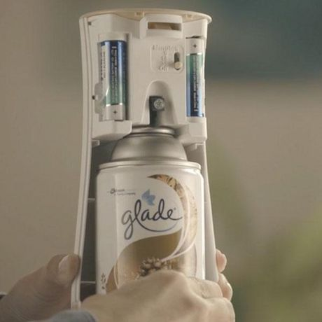 2e97d89c9714 Glade® Automatic Spray Holder and Clean Linen Refill Starter Kit,  Battery-Operated Holder for Automatic Spray Refill, Up to 60 days of  Freshness, ...