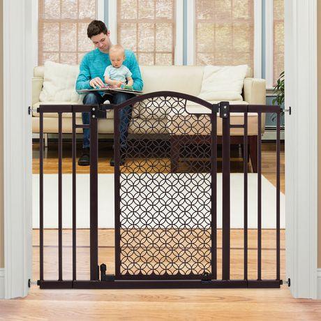 Summer Infant Modern Home Decorative Walk Thru Baby Safety Gate