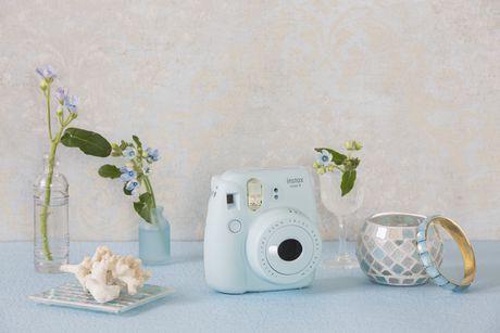 Appareil photo Instax Mini 9 de Fujifilm avec dragonne de luxe - image 8 de 9