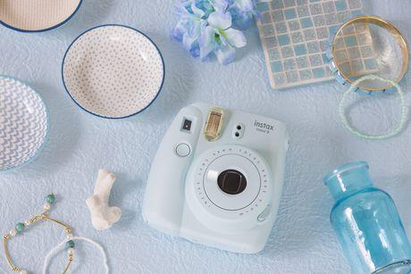 Appareil photo Instax Mini 9 de Fujifilm avec dragonne de luxe - image 9 de 9