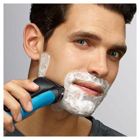 Rasoir électrique 3-en-1 Peau sèche et mouillée de Braun Series 3 Shave&Style 3010BT - image 4 de 5