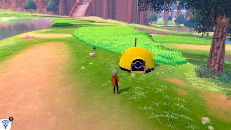 Pokemon Shield (Nintendo Switch) - image 4 of 9
