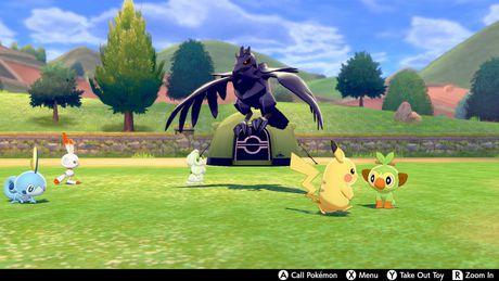 Pokemon Shield (Nintendo Switch) - image 5 of 9