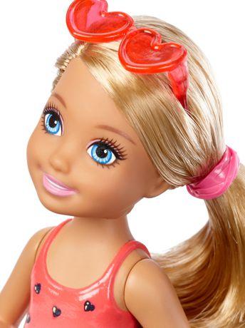 Club Barbie – Poupée Chelsea Plage - image 2 de 3