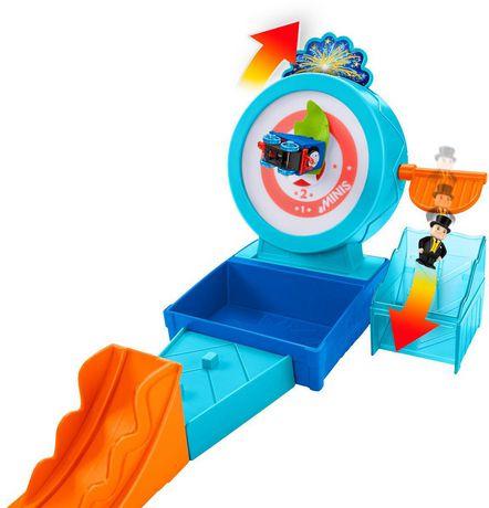 Thomas & Friends MINIS Target Blast Stunt Set - image 4 of 9
