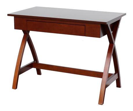 Bureau pieds crois s de hometrends for Table exterieur montreal