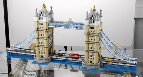 lego creator expert tower bridge 10214 walmart canada. Black Bedroom Furniture Sets. Home Design Ideas