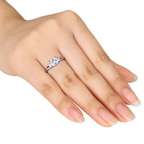 Bague de fiançailles Miabella avec 1.25 carat de saphir blanc synthétique de coupe coussin et diamant en argent sterling - image 4 de 4