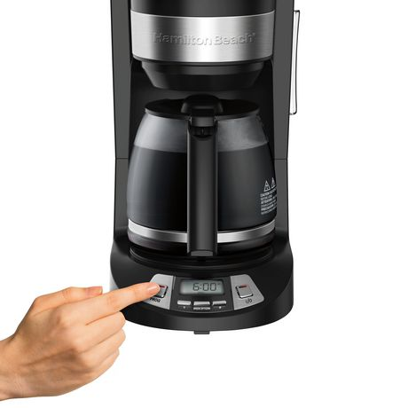 Hamilton Beach 46290C 12 Cup Programmable Coffee Maker - image 4 of 7