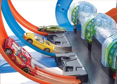 Hot Wheels Corkscrew Crash Track Set - image 6 of 9