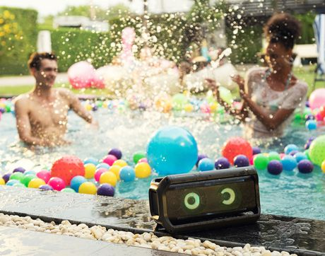 LG PK7 Portable Bluetooth Speaker with Meridian Technology - image 5 of 9