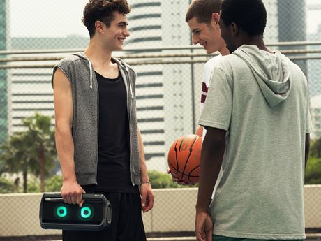 LG PK7 Portable Bluetooth Speaker with Meridian Technology - image 6 of 9