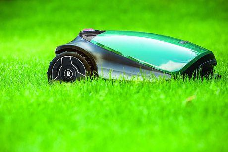 Robomow RC304 Robotic Lawn Mower - image 4 of 5
