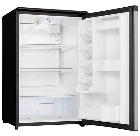 danby designer 4 4 compact all refrigerator walmart canada. Black Bedroom Furniture Sets. Home Design Ideas