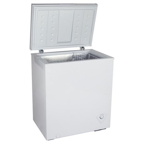 Koolatron KTCF155 5.5 Cubic Foot (155 Liters) Chest Freezer with Adjustable Thermostat - image 1 of 3