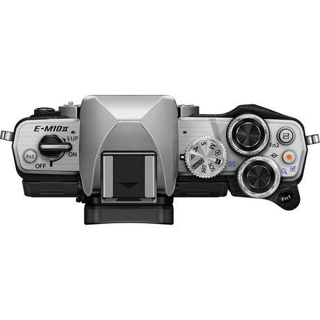 Appareil photo numérique sans miroir OM-D E-M10 Mark II d'Olympus de 16 MP en argent - image 5 de 6