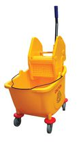DuraPlus® Bucket & Wringer Combo Downpress 32 l
