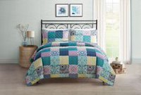 hometrends Reversible Quilt