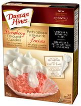 Duncan Hines Strawberry Flavoured Cupcakes