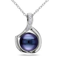 "9-9.5 mm Freshwater Black Pearl and 0.025 ct Diamond Pendant in Silver with 18"" Silver Cable Chain"