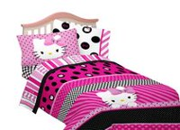 Hello Kitty Dots Beautiful Twin/Full Size Comforter