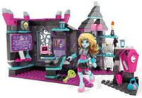 Mega Construx Monster High Mad Biteology Class Building Set