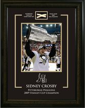 Frameworth Sports Sidney Crosby - 8 x 10 Piece of Net Pittsburgh Penguins 2009 Stanley Cup Champion Picture