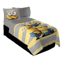 "Minions ""I'm With Minion"" Twin/Full Quilt and Sham Set"