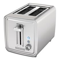 2-Slice Toaster with extra-wide self-centering slots