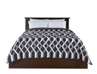 Red Label Geo Chain Printed Comforter Twin