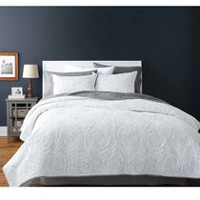 hometrends Rose White Quilt Set King