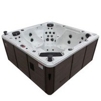 Canadian Spa Co. Niagara 7-Person Hot Tub