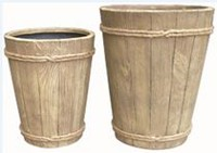 hometrends 40.5x40.5x51 cm Fiberglass Planter